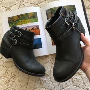 Sonoma Black Ankle booties